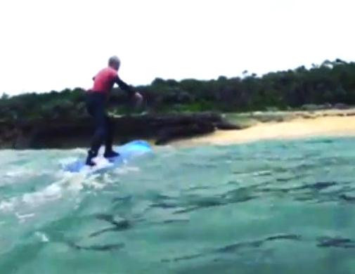 初めてのサーフィン69歳