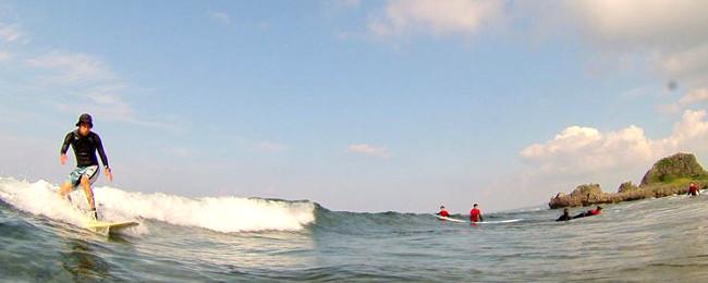 サーフィンビギナー、初級者向けレンタル&フリーサーフィン